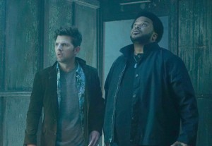 ghosted-1x01-16
