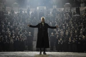 grindelwald with crowd